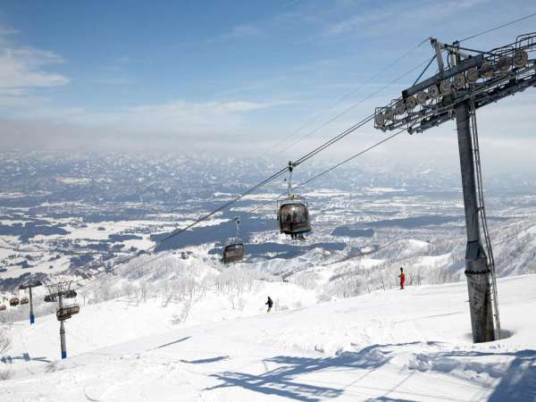 天気の良い日は爽やかなスキーができます。
