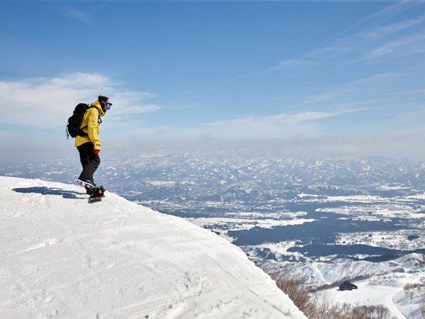 極上のパウダースノーを誇るロッテアライリゾートでスキー&スノボをお楽しみください。