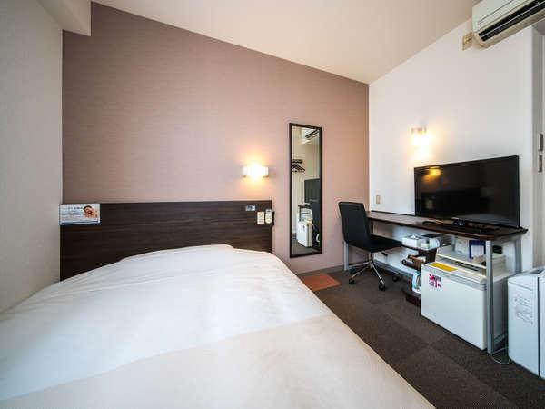 シングルルーム眠りを追及した1500cm幅のワイドベッドと適度な硬さのマットでぐっすり