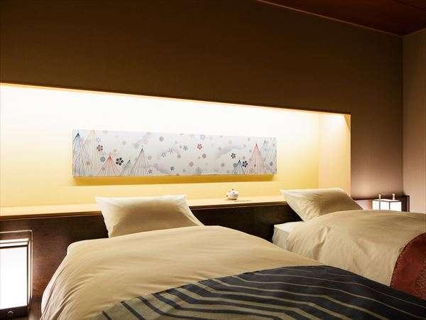 【客室イメージ】伝統とモダンが融合したご当地部屋「加賀伝統工芸の間」でおくつろぎください
