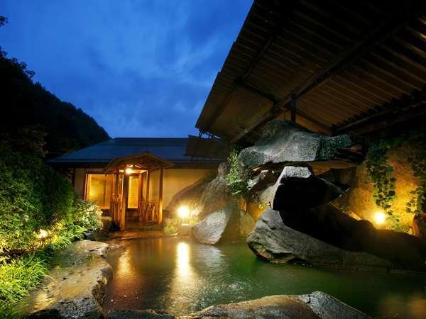 夜の露天風呂 大自然に囲まれた空間は絶品