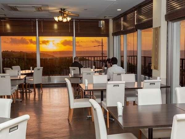 レストラン「蘇芳」から見える朝焼け