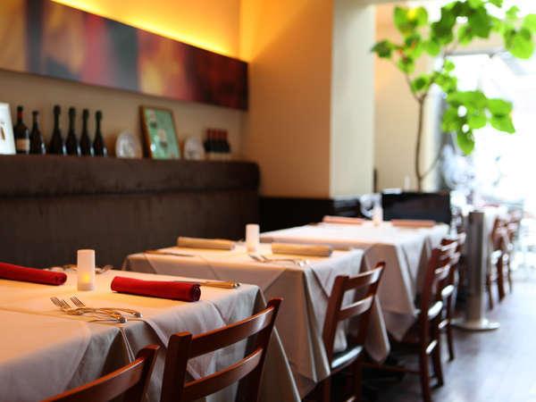 「Ristorante Suolo」は朝はご朝食会場に。人気のブレックファストをお召し上がり下さい。