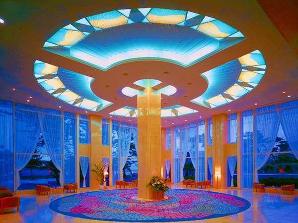 天井の高い広々した吹き抜けロビー♪リゾート感覚楽しめる。ちびっ子も大満足(^^)/