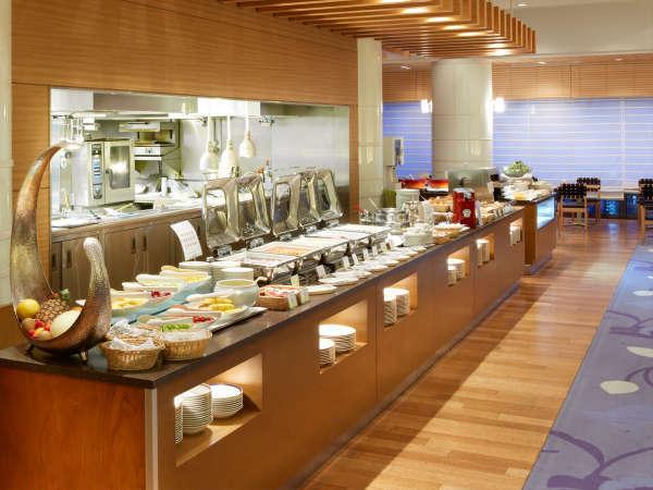 レストラン「グランカフェ パティオ」で、朝食ブッフェをお楽しみいただけます。