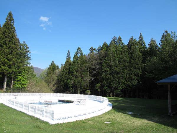 【中庭】那須塩原の自然の中でリフレッシュ