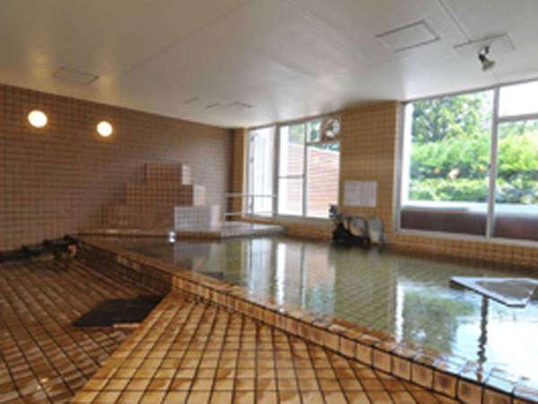【大浴場】露天風呂、内風呂ともに源泉かけ流し