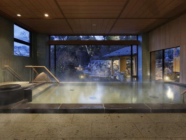 【男性大浴場:季の湯】ゆったりと落ち着いた石造りの内湯