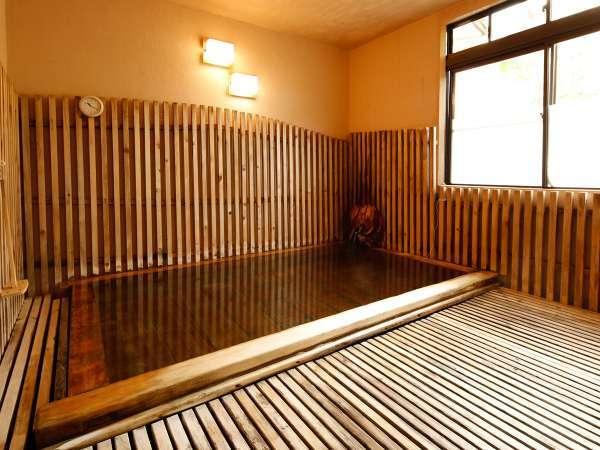 檜の香りには癒しや疲労回復の効果があり、温泉の効果をさらに高めてくれます。