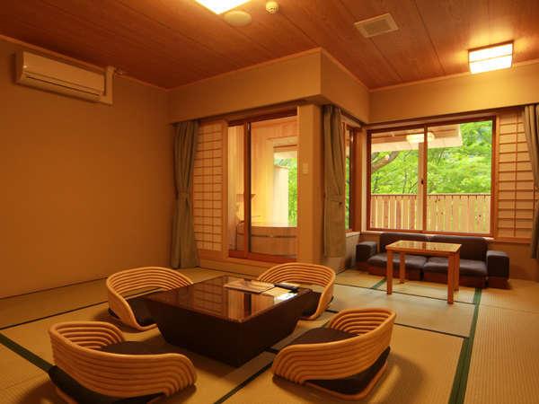 《露天風呂付和風スイート》ゆったりとした空間で心癒されます。
