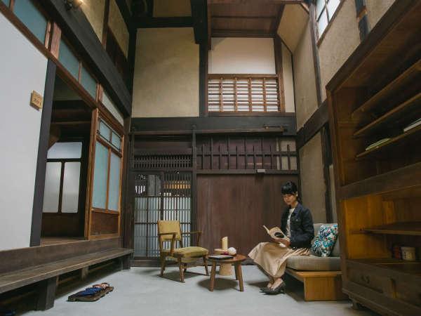 歴史を感じながらも快適にお過ごしいただけるよう工夫したお部屋の数々。