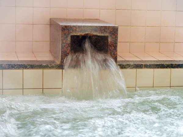 水は電子波水処理装置を使用。水の分子が超極小なこのお水は浸透性がよい
