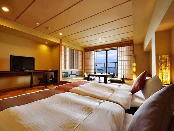 【香扇閣】和の趣と洋の機能性を兼ね備えた和洋室タイプに足湯がついた人気のお部屋です。※一例