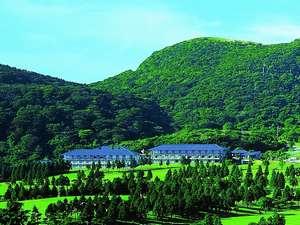 【箱根湯の花プリンスホテル】にごり湯の温泉と季節の和食、開放感のある和室でのんびり♪