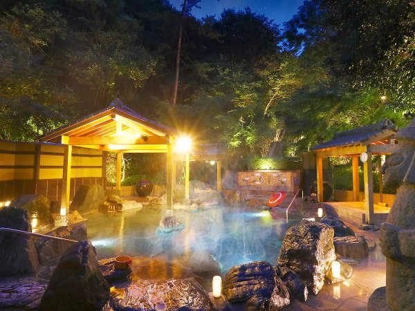 夜の露天風呂もロマンチック