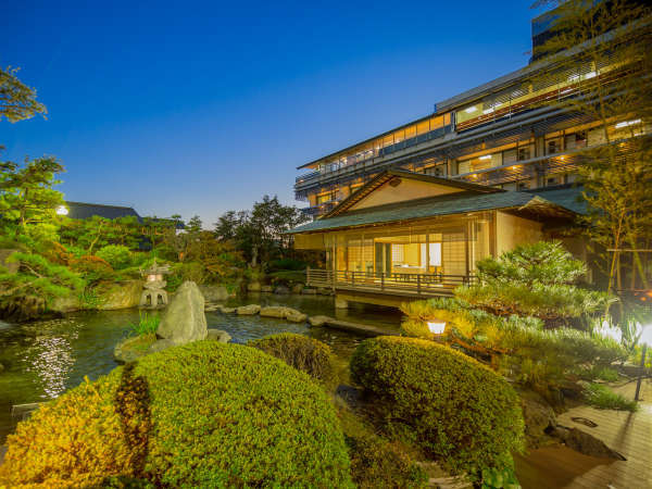 【外観】グランディア芳泉の外観と日本庭園<イメージ>