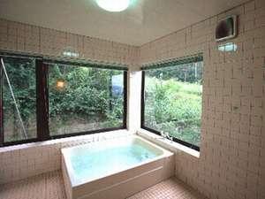 お風呂は貸切にして利用できます