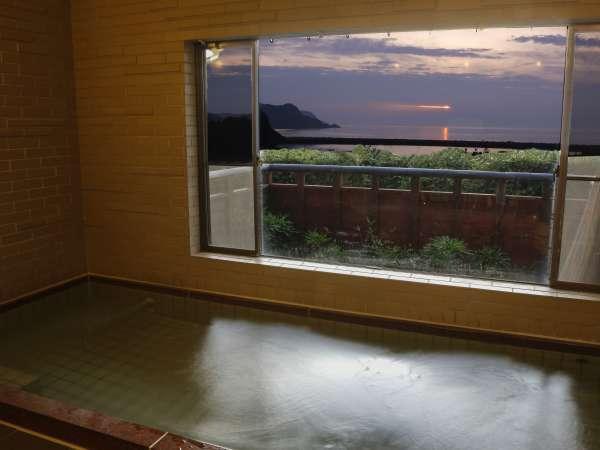 24時間入浴可能!海一望の温泉でゆったり&ほっこり♪
