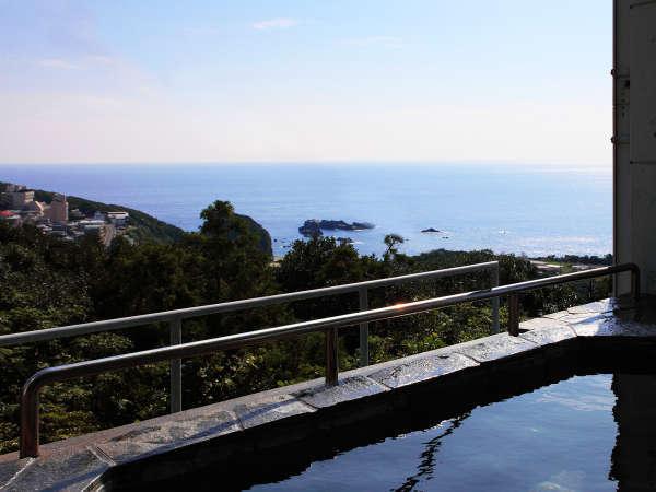太平洋を一望!天然ラドン温泉の露天風呂