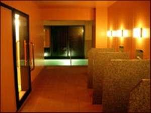 小さな宿だけどお風呂には力を入れています。他のお客様に気兼ねなくゆっくりお入りください。