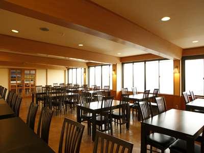 朝食は 富士山や南アルプスの展望レストランで!