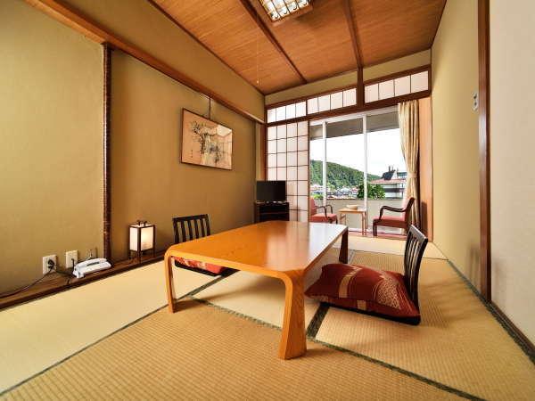 <和室8畳一例>開放的な眺めです。Wi-Fi無料接続・空冷蔵庫(バス・洗浄機能付きトイレ)