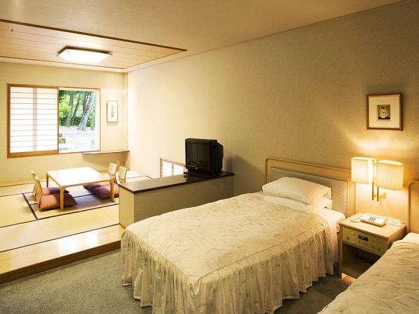 コテージ・ヒムカ ファミリータイプの和室付ベッドルーム