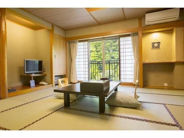 客室一例 12,5畳和室