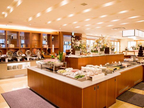 【有馬四季菜ブッフェ】レストランは内装や照明にもこだわりました。 ※イメージ