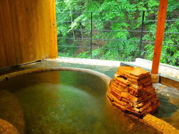 【四万温泉 ひなたみ館】3つの無料貸切風呂がある清流沿いの10室の宿【アウト12時】