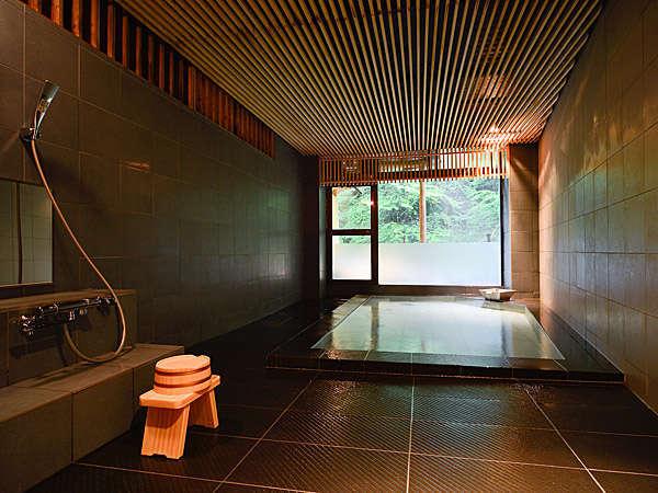 摩耶の湯(貸切風呂)は当館で一番大きなお風呂です。
