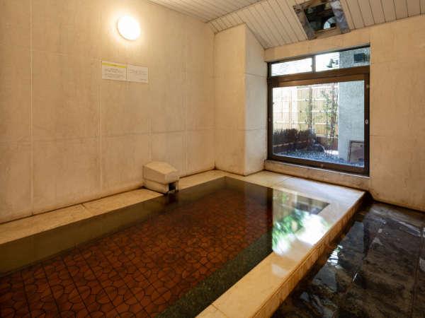 ●【温泉風呂/男性】甲府の市街中心地に湧き出る源泉掛け流しの天然温泉です。