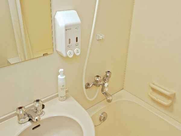 お風呂には、リンスINシャンプー・ボディーソープ・洗顔が御用意されて
