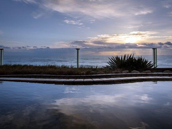 海を目の前に感じる露天風呂は多くのお客様にお喜びいただいております。