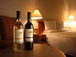 ワインは赤or白からチョイス!お部屋へ持ち帰って二人で乾杯もいいですね♪