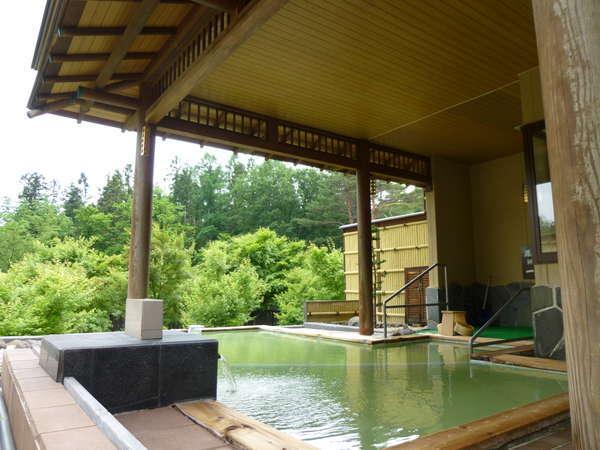【静楓亭】全11室に源泉掛け流しの大きな露天風呂。いつでも独り占め。
