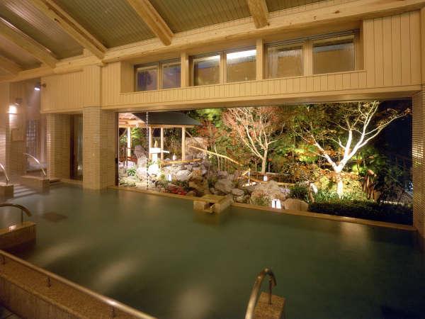 """【ホテル天坊】色々なお風呂が楽しめる大浴場""""天晴""""と""""岩風呂""""で湯めぐりを。"""
