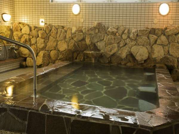 姉妹館四国高松温泉でゆったりした湯船で心休まるひとときを