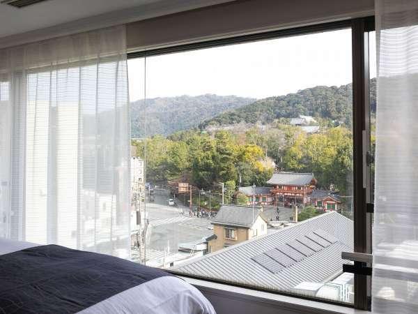 ■当館高層階プレミアツインルームからの眺望です。