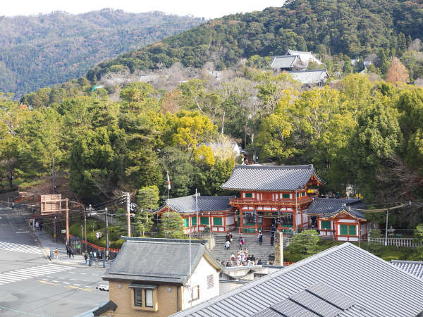 客室プレミアツイン 八坂神社が一望できます。
