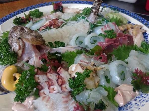 毎日の仕入れで替わる瀬戸の鮮魚を満喫♪【刺身盛り合わせ】