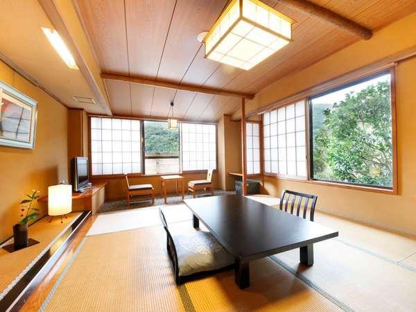 【A】千代田館標準和室または和洋室(バス・トイレ付) 一例 比較的広めのお部屋です。