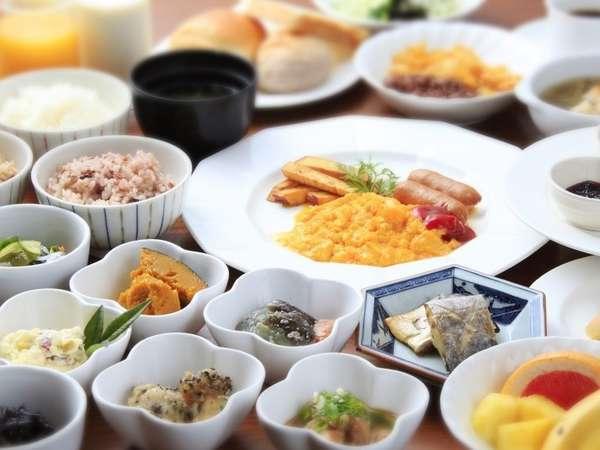 地元食材たくさんの朝食ブッフェ
