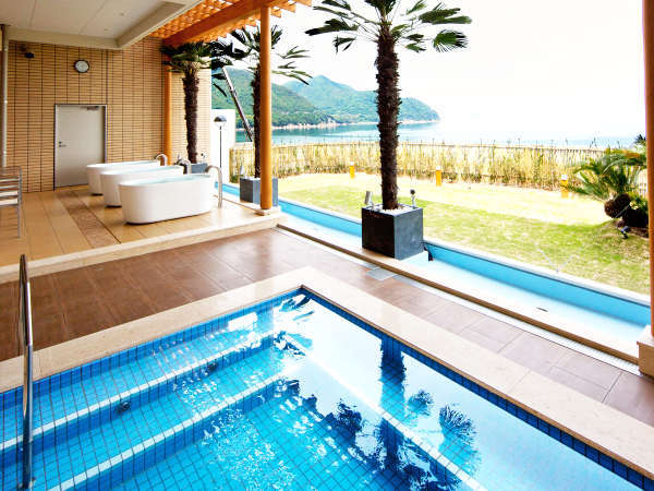 洋風露天風呂からの景色
