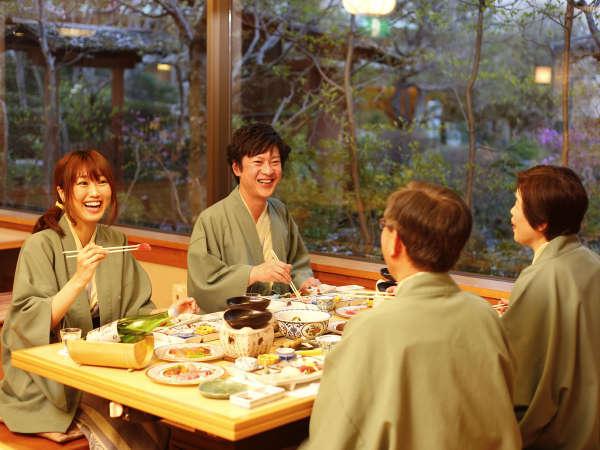 和の趣を感じられる食事処で、地元食材を使用した日本料理をご堪能ください。