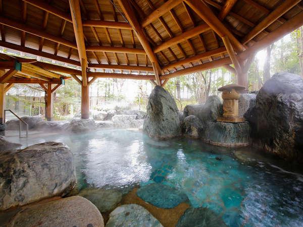 本陣大浴殿 庭園露天風呂 四季折々の景色を楽します
