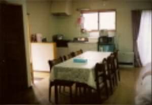 DKスペース、調理道具、食器類一揃い有ります