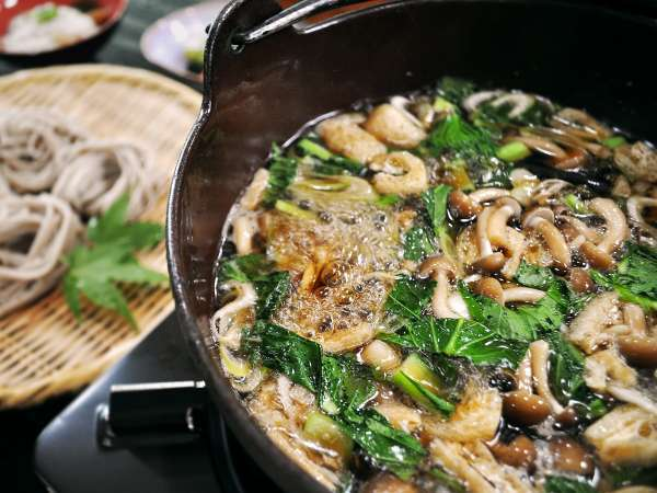 【温泉宿 山荘わたり】露天風呂のある和室仕様のロッジ♪とうじそばと創作和食料理が自慢