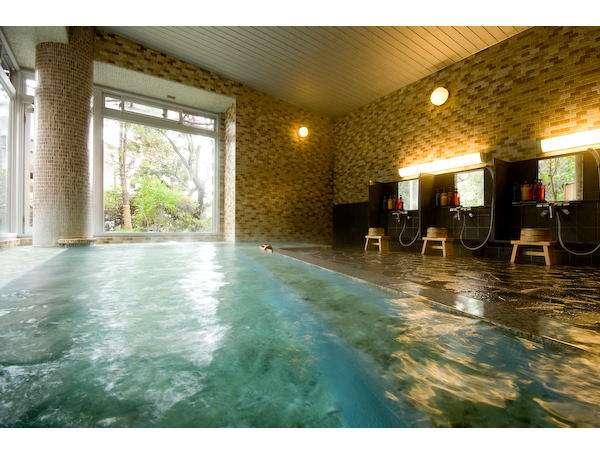 平成21年2月リニューアル!大浴場「芙蓉」 毎日22:00頃、男女のお風呂を交換しています。