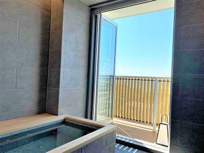 半露天風呂付き客室 浴室
